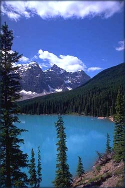 Picture of crystal blue mountain lake.
