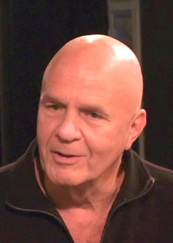 Portrait of Wayne Dyer.