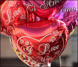 Valentines Day gift ideas: Heart shaped helium Valentine balloons.