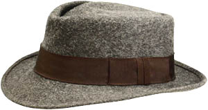 Grey wollen hat with band.