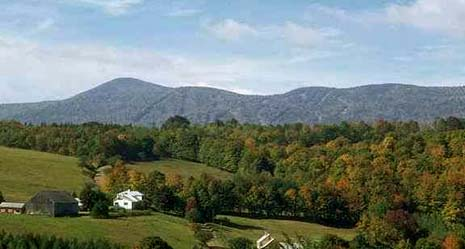 Vermont nickname: The Green Mountain State - picture of the Green Mountains